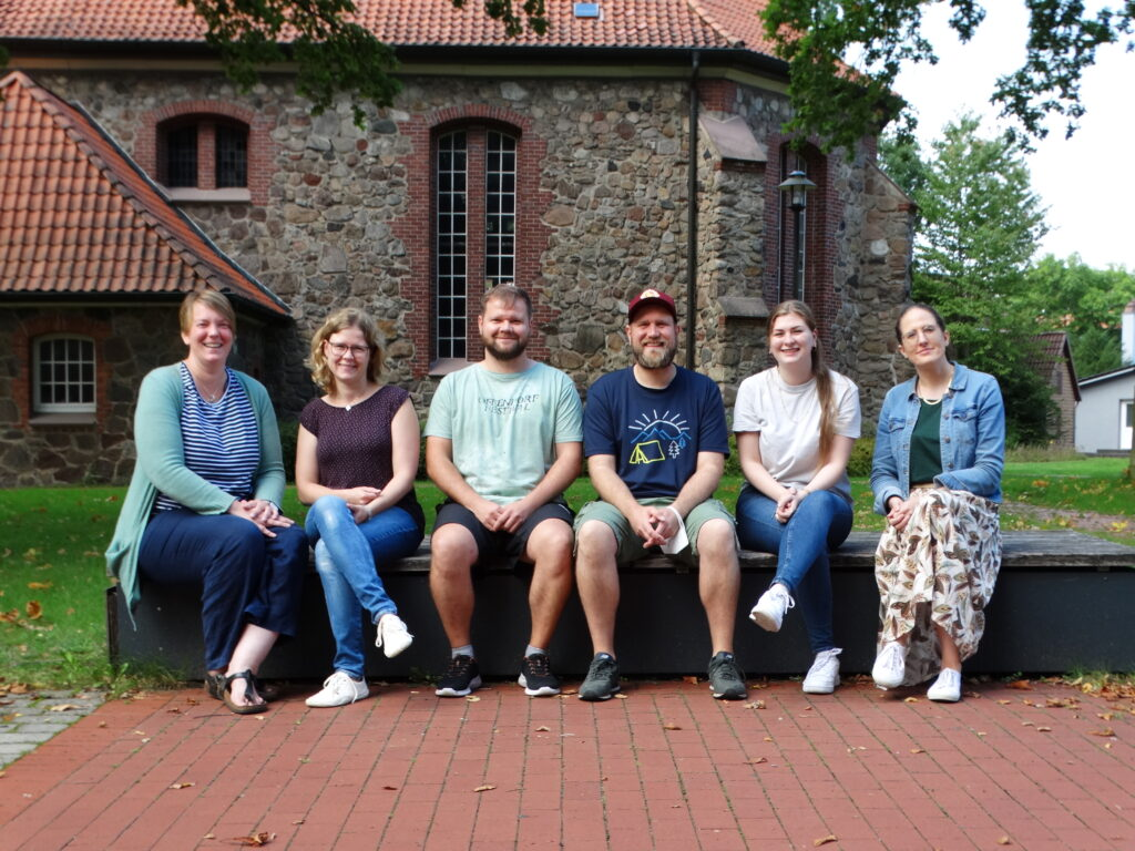 Der Vorstand des CVJM Schneverdingen; Birte Hautau, Imke Hahn, Thore Kirschstein, Johannes Schirmer, Skadi Möhlmann, Hannah Schröder